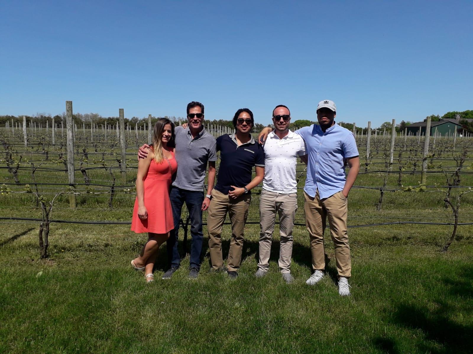 Long-Island-Vineyard-Tour-with-Friends